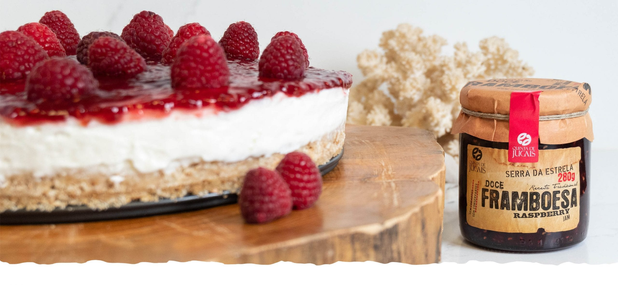 Cheesecake with Raspberry Jam